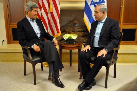 U.S. Secretary of State John Kerry and Israeli Prime Minister Benjamin Netanyahu meet in Jerusalem, June 27, 2013. (State Dept. Photo)