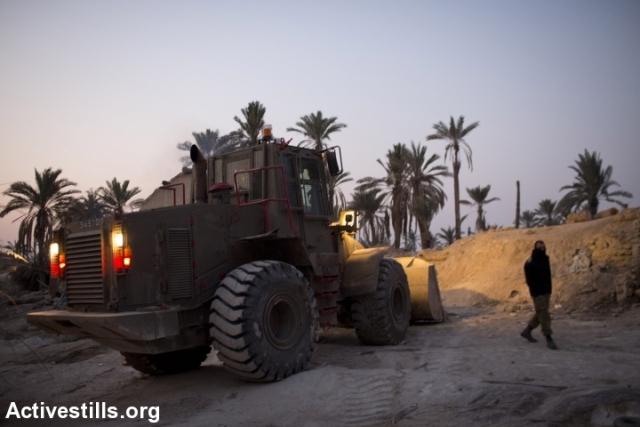 Demolition at Ein Hijleh (Oren Ziv / Activestills)