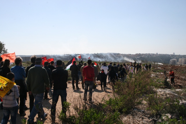 Hundreds demonstrated outside of tear gas range (Haggai Matar)