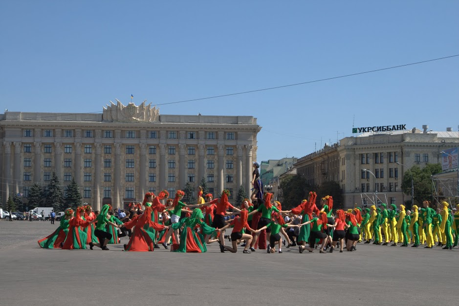 Performers prepare for celebrations in honor of the anniversary of the city's liberation. (photo: Osnat Ita Skoblinski)