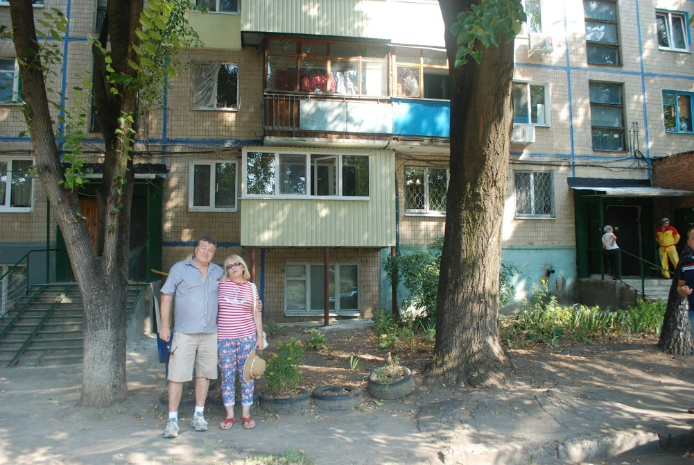 My parents visiting my grandparents' old house, where they all lived together. (photo: Osnat Ita Skoblinski)