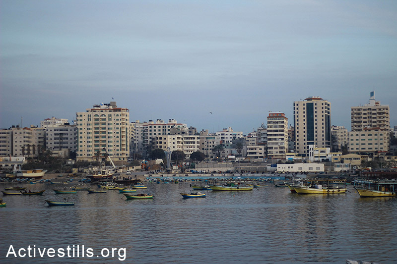Boats line the shore at Gaza seaport. (Basel Yazouri/Activestills.org)