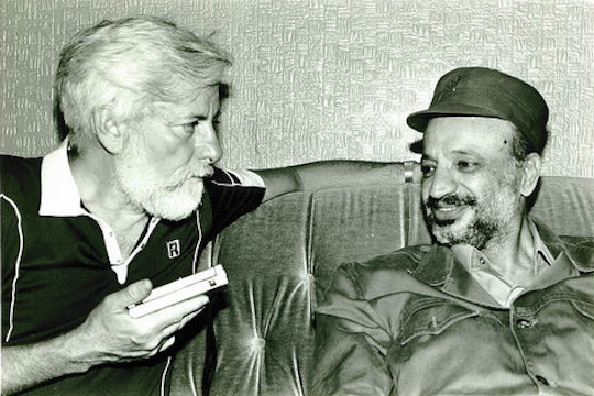 PLO Chairman Yasser Arafat being interviewed by Uri Avnery in Beirut. (Photo by Anat Saragusti, courtesy of Uri Avnery)