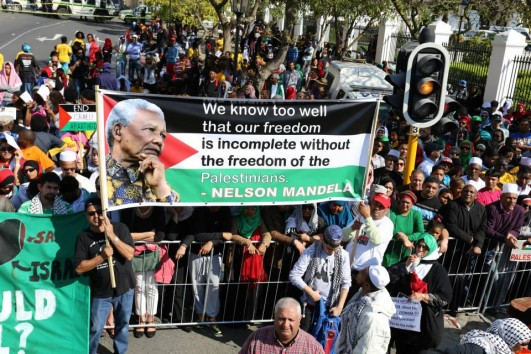 South Africans march in solidarity with Gaza, in Cape Town, South Africa, on march 9, 2014. Some contend that this was the biggest protest in South Africa history with estimates ranging from 10,000 to 100,000 (photo: BDS South Africa)