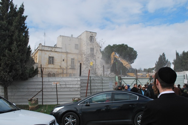 Shepherd Hotel demolished, to be replaced by settlement