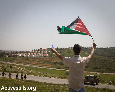 Is Palestinian society ready for mass unarmed resistance or just villages like Nabi Saleh? Photo: Oren Ziv/Activestills.org
