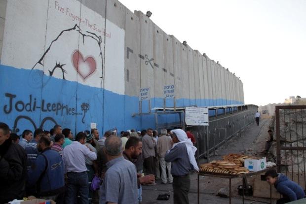 Photo Essay: Rush hour at Bethlehem Checkpoint