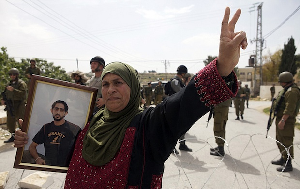 Palestinian prisoners must become part of the overall solution