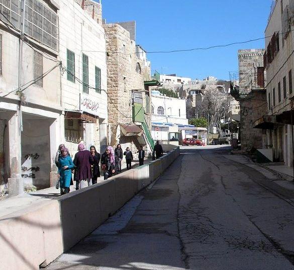 Segrageted Shuhada street in Hebron, February 2012 (photo: Hithabrut-Tarabut)
