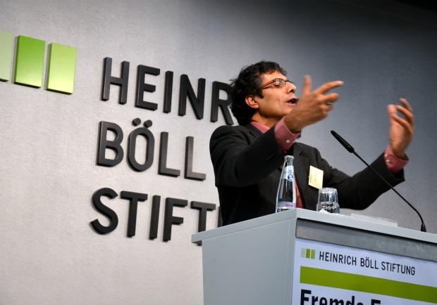 Prof. Yossi Yonah (photo: Ami Kaufman)
