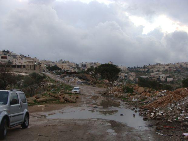 Road leading to Jabal al Baba (Ras al Baba) (photo: Mya Guarnieri)