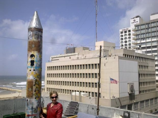 U.S. embassy alarmed by 'missile' in anti-war art project