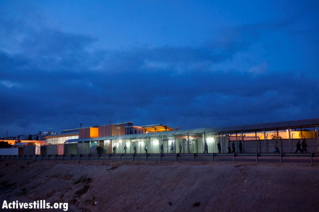 Eyal checkpoint. In the background: Qalqilia (Oren Ziv / Activestills)