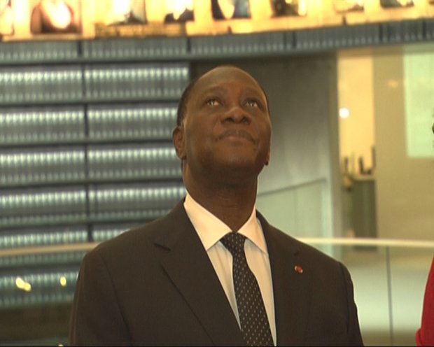An emotional Cote d'Ivoire President Alassane Ouattara looks up in Yad Vashem's Hall of Names in Jerusalem, 17 June 2012 (photo: Roee Ruttenberg)