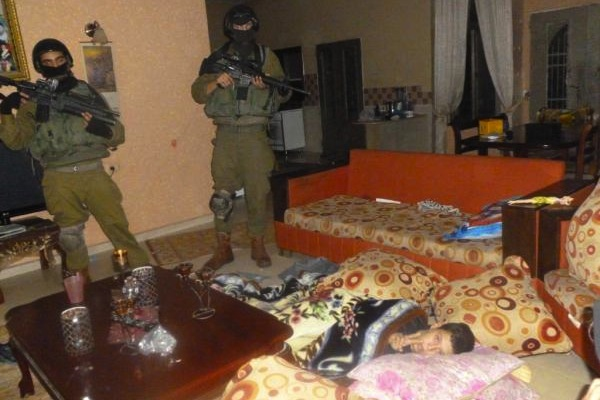 Night raid in Nabi Saleh 2011 (Tamimi Press)