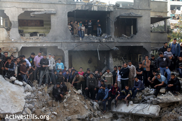 Two members of the Al Dalu family, Mohammad and Raneen Al Dalu were found under the rubble four days after the Israeli military airstrike which killed 9 members of the same family, Gaza, November 22, 2012. (Photo by: Anne Paq/Activestills.org)