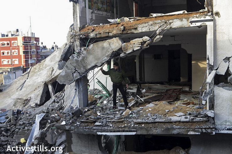 Ruins of a Palestinian home in Az-Zaitoun area, Gaza City, November 23, 2012. (Photo by: Anne Paq/Activestills.org)