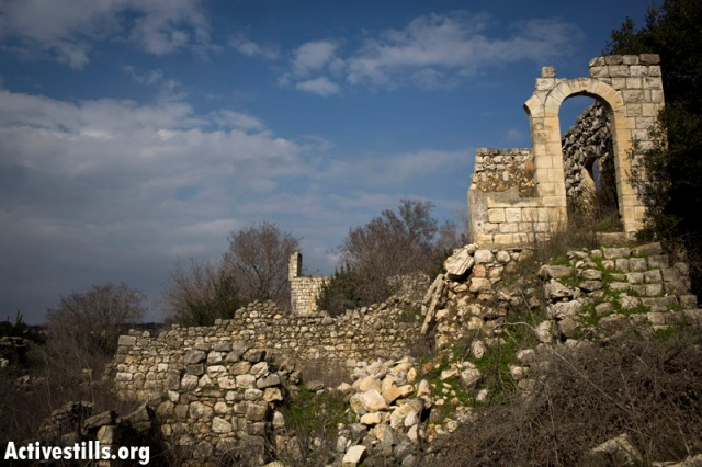 Parts of the ruined Bir'em. Villagers are not allowed to return in spite of court rulings (Oren Ziv / Activestills)