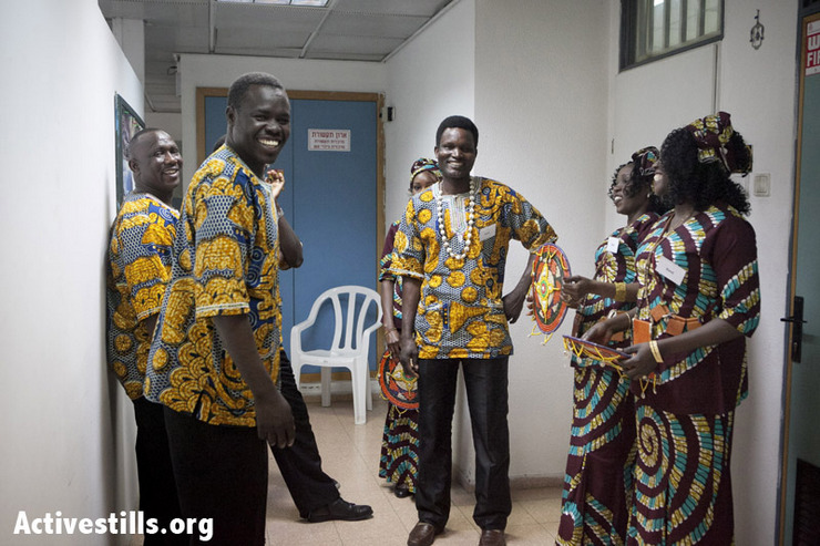 Photos: Sudanese refugees in Israel celebrate their culture with dance and music