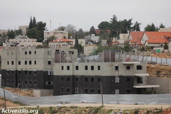 New construction taking place in the Beit El settlement, February 5, 2013 (Photo: Ahmad Al Bazz/Activestills.org)
