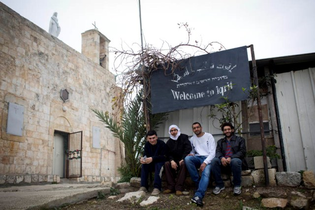 Welcome to Iqrit. The revivers of the village (Oren Ziv / Activestills)