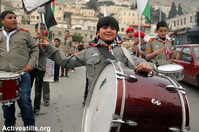 Scouts supporting prisoners in Jenin (Ahmad Al-Bazz / Activestills)