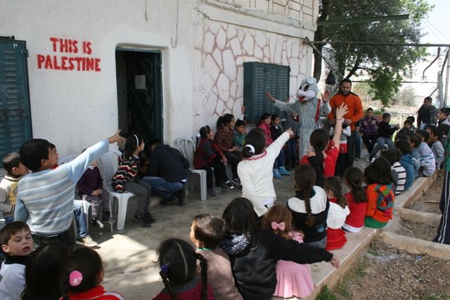 Anti-occupation chanting workshop (Haggai Matar)