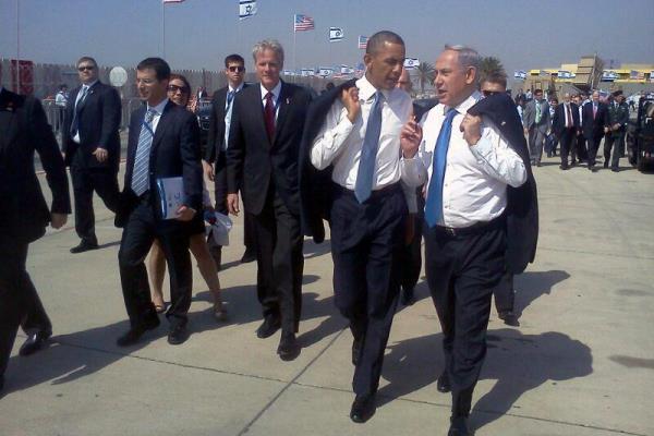 Prime Minister Netanyahu, President Obama and Israeli ambassador to Washington Michael Oren at Ben Gurion airport, March 20 2013 (photo: Government Press Office)