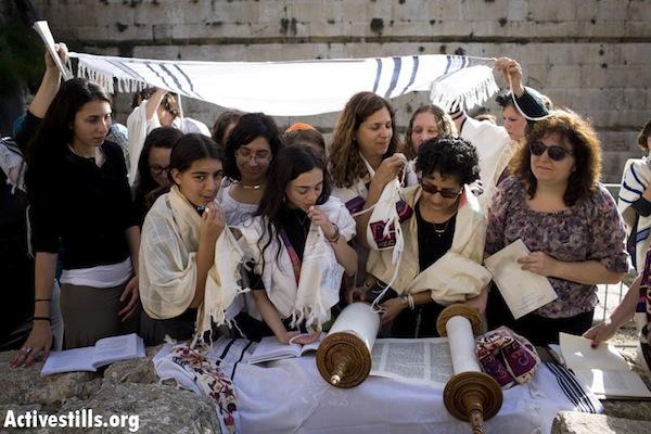 Women of the Wall pray at the Western Wall in Jerusalem. March 12, 2013 (Oren Ziv/Activestills.org)