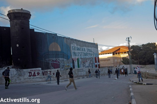 Clashes near the wall as Aida refugee camp, last week (Anne Paq / Activestills)