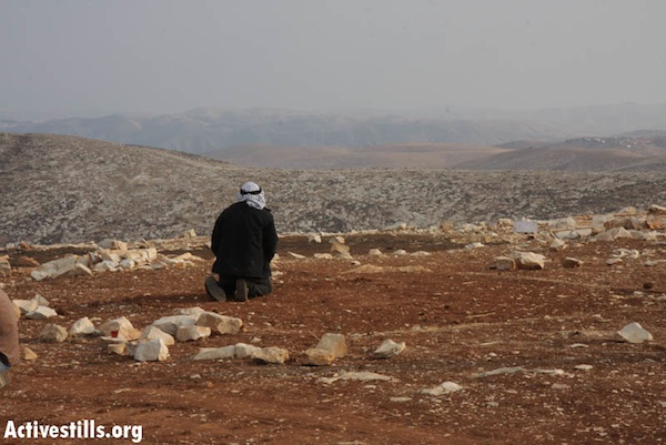 A Bedouin man whose home was demolished [illustrative photo] (Anne Paq/Activestills.org)