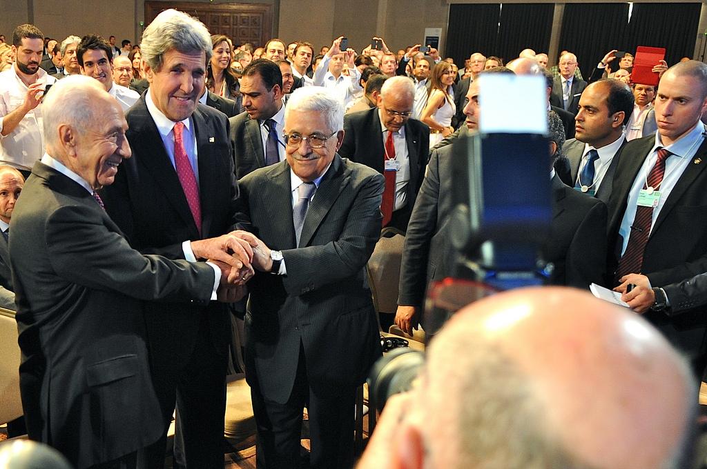 John Kerry's Kodak moment at the Dead Sea