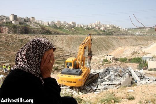 House demolition in Anata, Northern Jerusalem, April 14, 2008 (Photo: Meged Gozani/Activestills.org)
