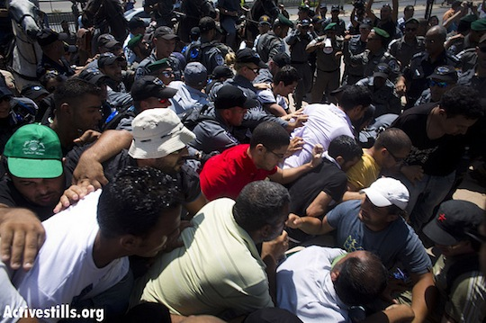 Crackdown on anti-Prawer demonstrations shows unequal right to protest