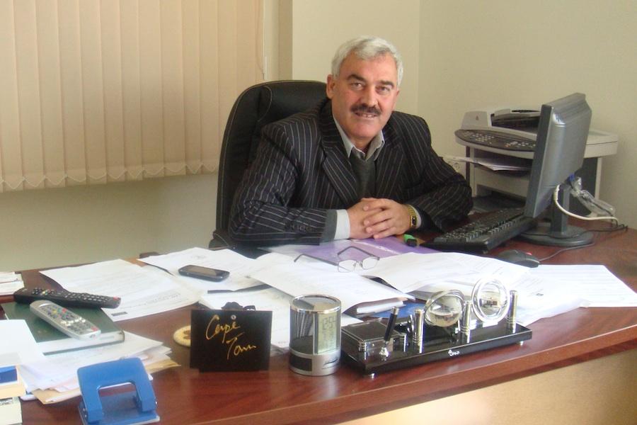 Al-Haq director Shawan Jabarin in his office (Courtesy of Al-Haq)