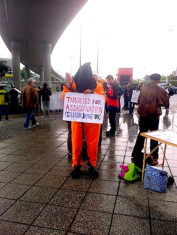 A protester at the DSEI arms fair in London. (photo: Leehee Rothschild)