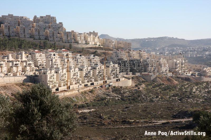 A neighborhood of the Har Homa settlement outside of Jerusalem. (Photo: Activestills.org)