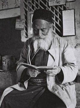A resident of Safed praying. (Photo: GPO)