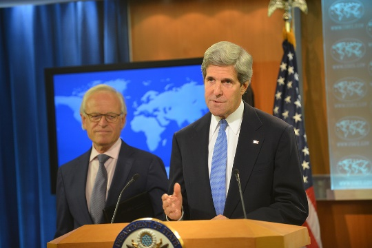 U.S. Secretary of State John Kerry and special envoy to the peace talks Martin Indyk. The decision not to confront Jerusalem will prevent a real U.S.-led breakthrough (State Department photo/ Public Domain)