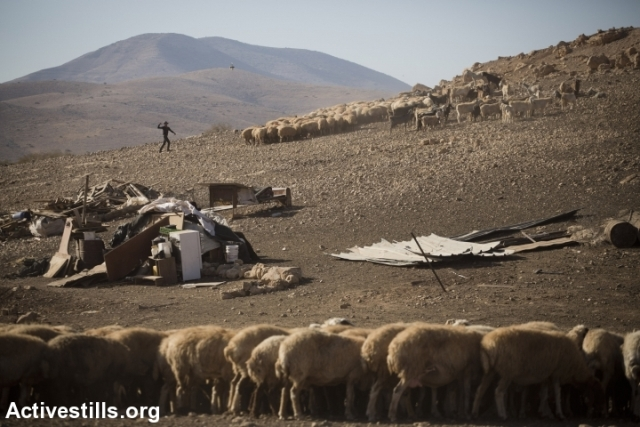 Demolished houses in Khirbet Makhoul, Jordan Valley (Activestills)