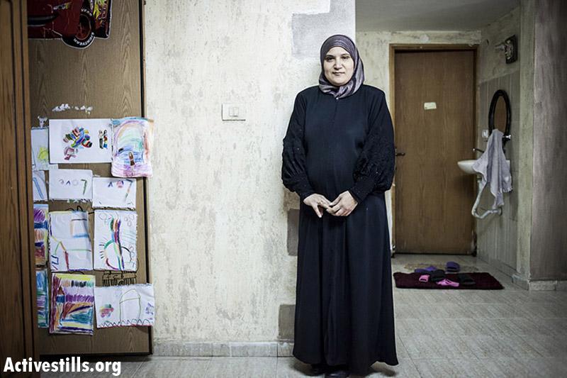 Umayya Badran, mother of two, married from 1997, Zimar. (Shiraz Grinbaum/Activestills.org)