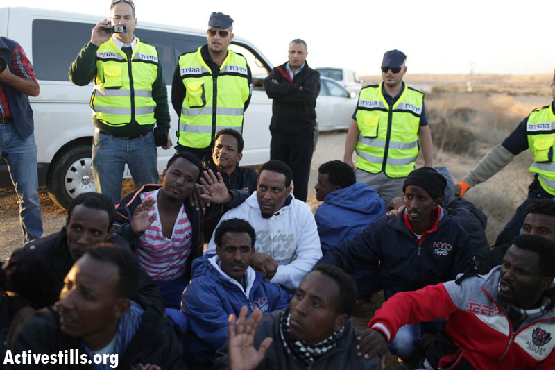"Immigration police arrest dozens of asylum seekers during the second ""March for Freedom"" on the way to Be'er Sheva. (photo: Oren Ziv/Activestills.org)"