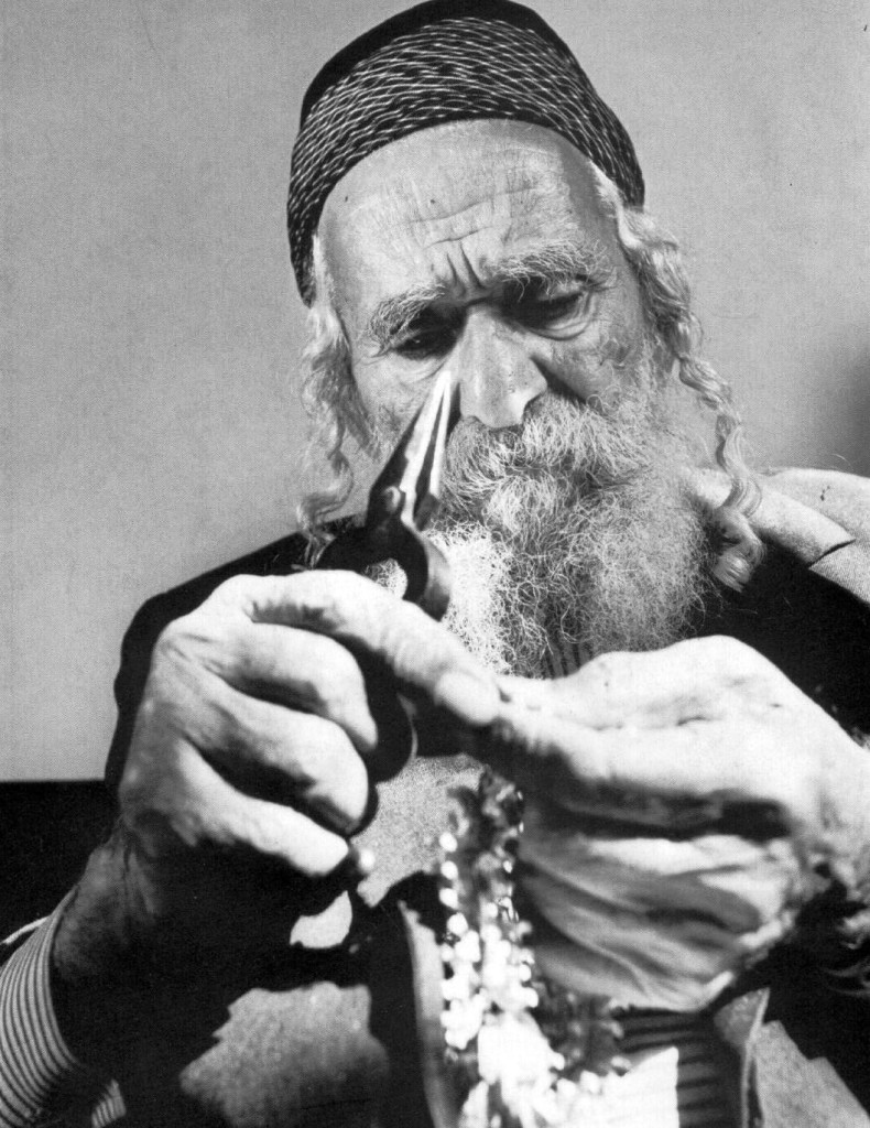 Yemenite goldsmith Yosef Araqi.
