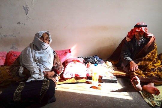 A Palestinian couple, Jerash refugee camp, Jordan. (photo: Paula Schmitt)