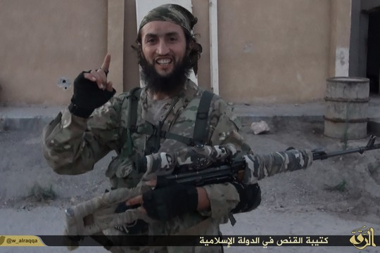 A fighter from the Islamic State. (photo: Islamic State)