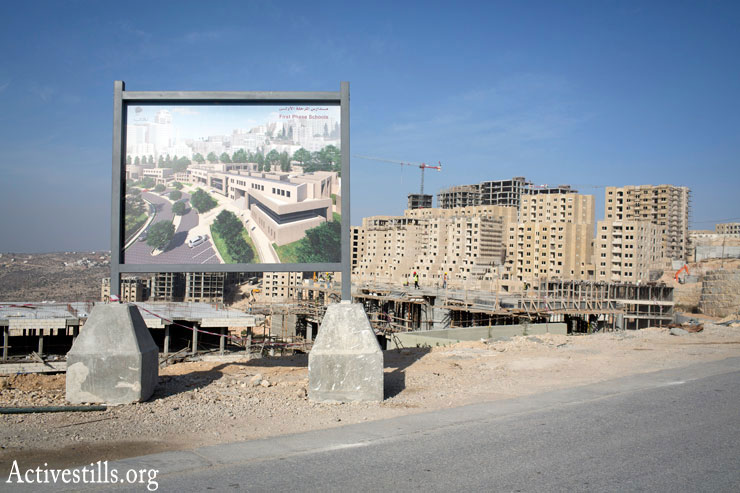 Construction in the new Palestinian city of Rawabi. (Photo by Oren Ziv/Activestills.org)