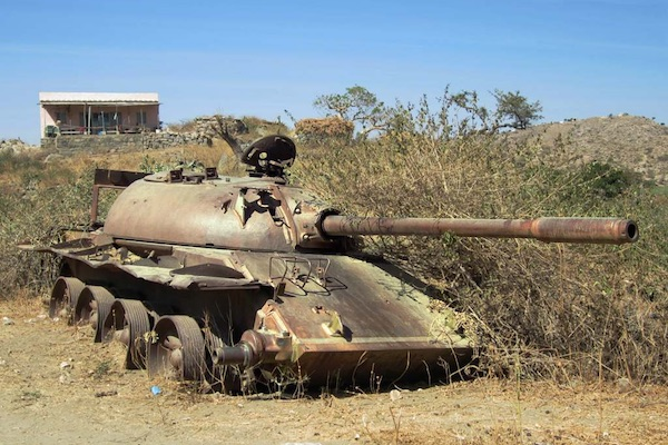 Soviet tank abandoned by Ethiopian forces retreating from northern Eritrea in 1991. (Photo by David Stanley/CC)