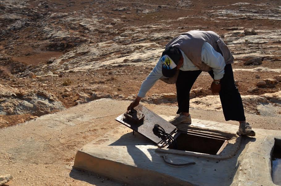 Well in the Bedouin village of al-Mufaqarah, South Hebron Hills. (photo: Cinzia Di Napoli)