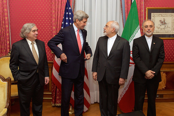 U.S. Secretary of State Kerry, U.S. Energy Secretary Moniz Stand With Iranian Foreign Minister Zarif and Vice President of Iran for Atomic Energy Salehi Before Meeting in Switzerland, March 16, 2015. (State Dept. photo)