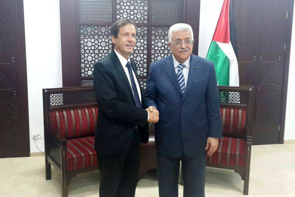 Labor and Zionist Camp leader Isaac Herzog meets with Palestinian President Mahmoud Abbas in Ramallah. (File photo courtesy of Labor)
